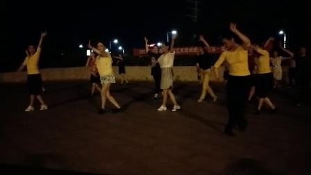 2017年丹阳市云阳街道艺术培训进社区戏曲广播操,展示单位东方艺术团,丹风公园社区。