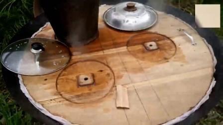 在贵州农村的壮族村寨里, 一到办喜事就扛着大木桶糯米饭, 太不可思议了