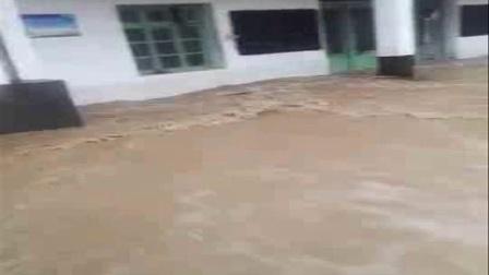 柘岱口乡6.22洪灾视频剪影