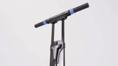 Yrider, 一款可以直立推行,创新电动滑板车,惊艳全场,太棒了!