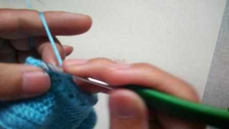 淘宝店铺:手飞扬毛线编织店。第三集:小熊鞋子的钩法3.