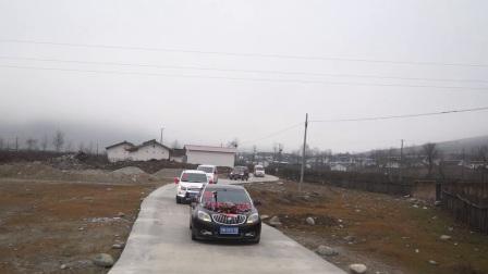 精彩视频彝族姑娘出嫁的花车一路风景好美