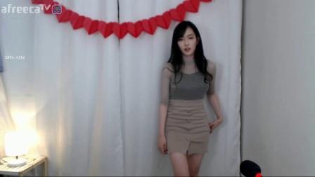 小姐姐都出汗啦! 韩国女主播热舞, 太卖力了!