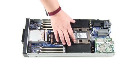 Lenovo ThinkSystem SN550 Install Air Baffle