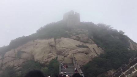 八达岭长城上云雾缭绕