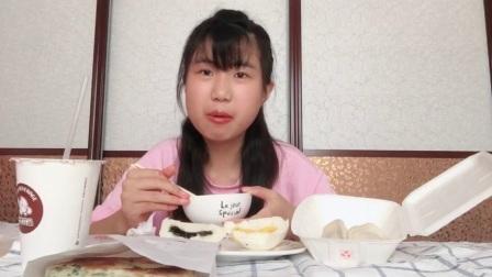 【cr的第一次吃播】一起来吃早饭吧~小笼包 葱花大油饼 黑芝麻包 奶黄猪猪包 甜豆浆~