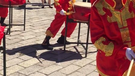 2017年7月25日碾子山区首届油菜花节繁荣办事处富强社区华安威风锣鼓队表演
