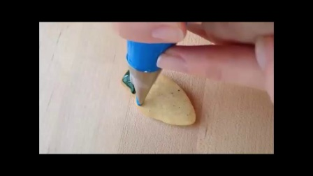 戚风蛋糕的做法圣诞树翻糖饼干翻糖皮的制作