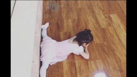李湘晒王诗龄学舞蹈照片,动作笨拙,和甜馨奥莉一字马根本没法比