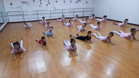 中國舞二級螞蟻掉進河里邊糖寶舞蹈培訓2017暑期