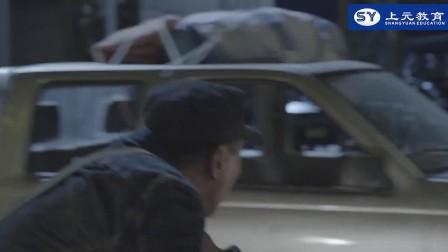 《战狼2》吴刚特辑,达康书记苦练单手换弹夹