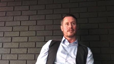 阿尔菲·伯顿在欧洲大师赛战胜里奇·沃顿的采访