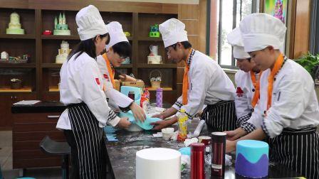 上海飞航国际美食学校   翻糖蛋糕培训