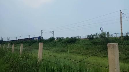 爱车京局丰段HXD3B0024驾到,本人非常激动