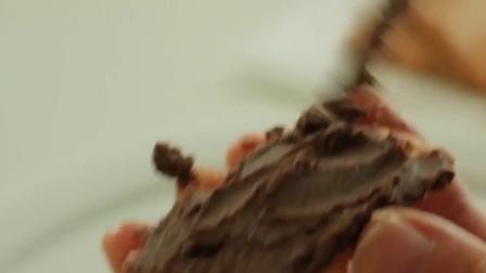 超简单的免烤椰子巧克力饼干蛋糕