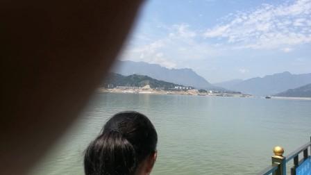 10岁5个月 康辉宜昌三峡库区轮游