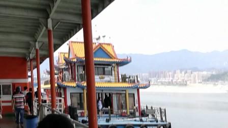 10岁5个月康辉宜昌三峡库区轮游