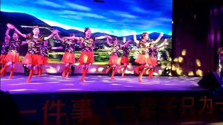 爱剪辑 2017-06-11成都新皇城《雪山姑娘》