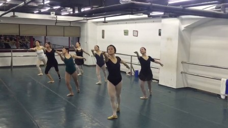 """丰迪芭蕾成人班--暑期班期末课堂记录""""初中级衔接班"""""""