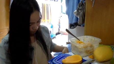 5.5爱吃饭的妹子 吃芒果啦~~~~ 中国吃播_美食圈_生活