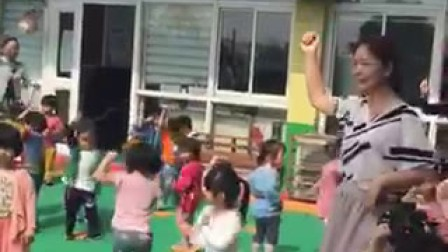 宝宝学校开运动会