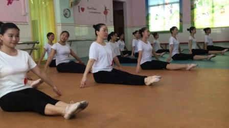 中国舞蹈家协会考级四版2级   001《大脚丫小脚丫》