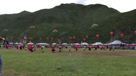 中国甘南碌曲第六届锅庄舞大赛:现场自拍视频0895