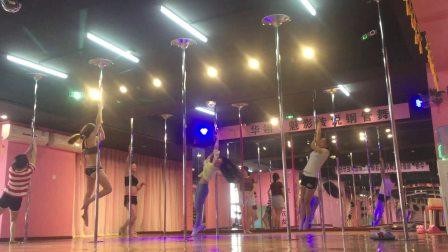 常州华翎魅影零基础班学员练习,钢管舞专业培