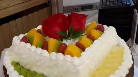 14寸双层蛋糕