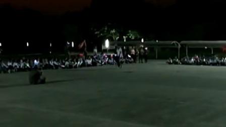 独轮车表演视频1