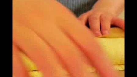 【爱家小哥】爱分享之《迷人的草莓漩涡蛋糕》