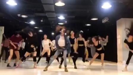 刷爆你的眼了,厚街舞尚界舞蹈培训中心是这样训练学员的