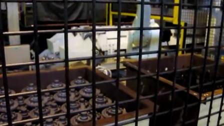 FG003p_N_Bin storage of forged parts_熱間鍛造③後工程_整列_RS030N&ZX165U_37秒+タイトル5秒