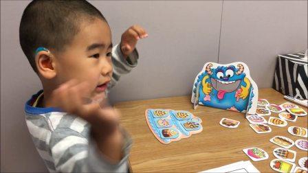 小宝三岁十个月,自闭症。语言训练师教小宝说yes