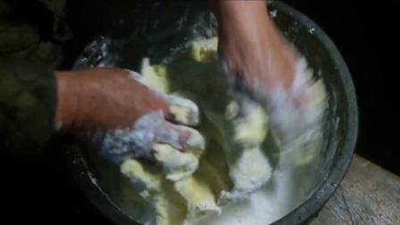 1.【奶奶的食谱】2:南瓜塌饼做起来