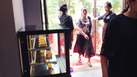 重大消息:十大餐饮加盟品牌咖蜜儿餐饮连锁店开业,现场竟然这么多人...视频为证!!!
