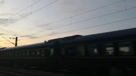 HXD1D牵引K1511次列车(聊城-义乌)通过