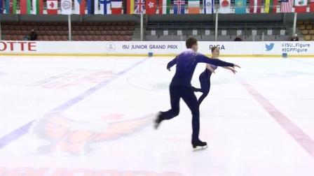 2017年花滑少年大奖赛拉脱维亚站 - 双人短节目第一名-Aleksandra BOIKOVA / Dmitrii KOZLOVSKII RUS