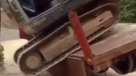 挖掘机师傅太激动了