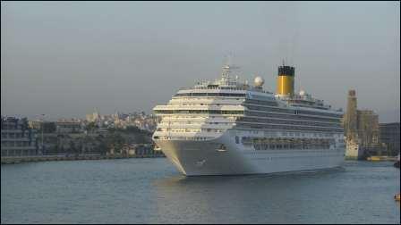 SPHJ-105-船-[4K]巨大豪华游轮旅游海洋行驶游客船上休闲娱乐高清视频实拍
