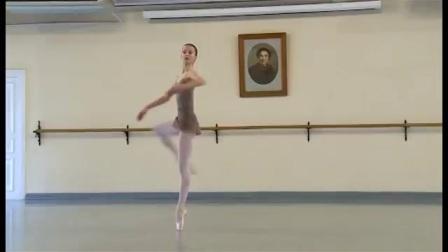 瓦岗诺娃 2017 挥鞭转  Maria Bulanova和同学们