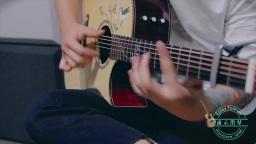 玩易吉他指弹《Monologue》 garry