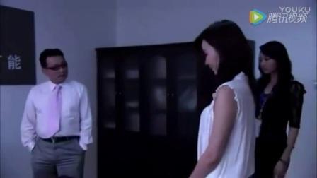 男人和女人在办公室亲吻美女两个月_高清