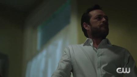 Riverdale S02 预览 Luke Perry 访谈