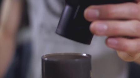 AeroPress爱乐压 便携式手动咖啡机 半自动咖啡具 冲滴滤式咖啡壶