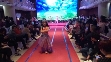 儿童环保模特时装秀