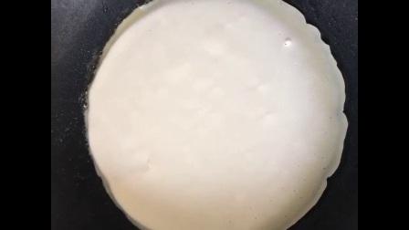 自制上班族营养早餐鸡蛋饼 16秒学会