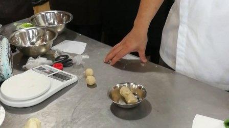 凤梨酥 桃酥鲜肉月饼 椒盐酥 佛手酥等-9