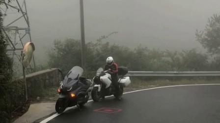荆州公路浓雾