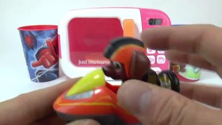 猴爪巡逻微波炉玩具惊喜蛋车学习颜色给幼儿童谣童谣